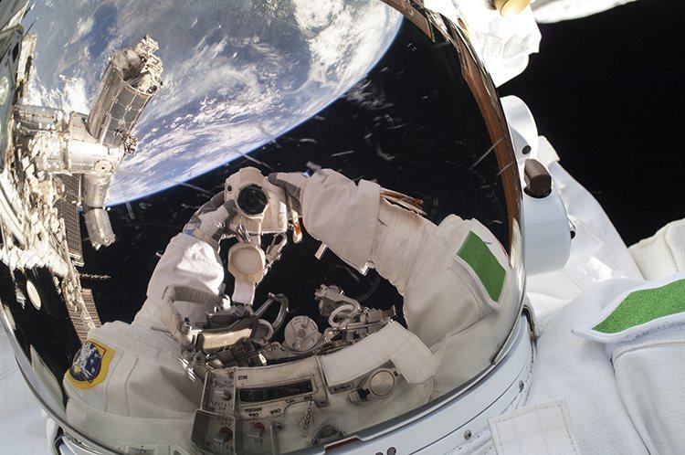 selfie de Luca Parmitano